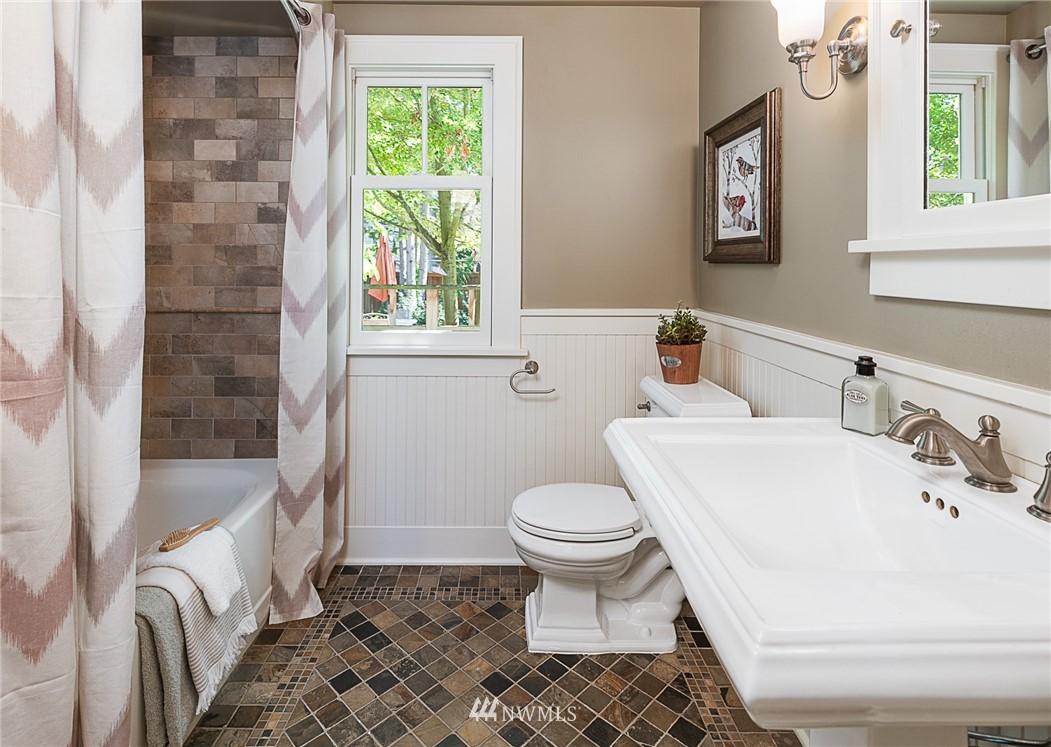 Sold Property | 743 N 72nd Street Seattle, WA 98103 8
