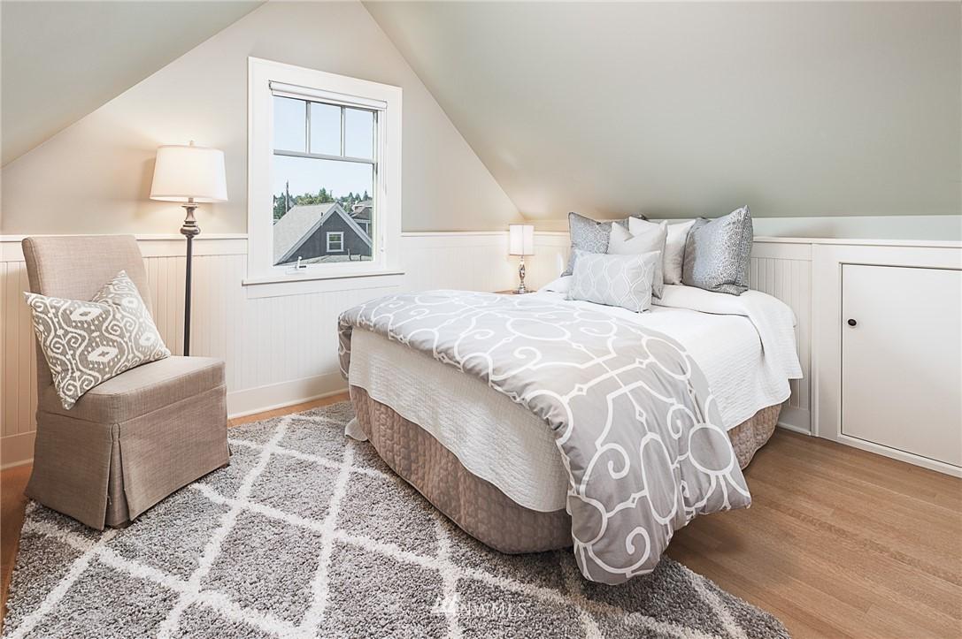 Sold Property | 743 N 72nd Street Seattle, WA 98103 12