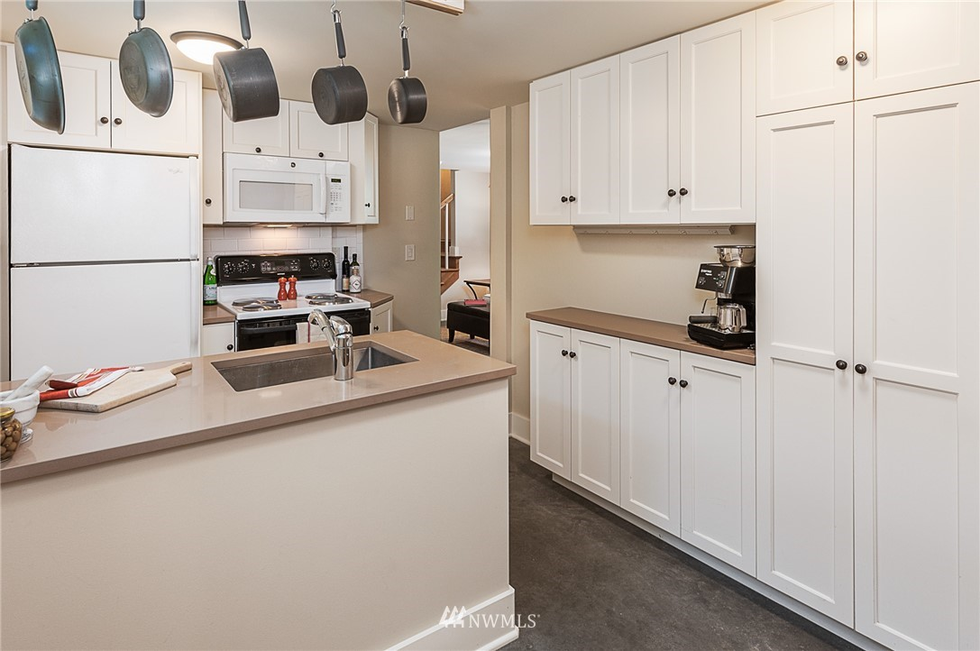 Sold Property | 743 N 72nd Street Seattle, WA 98103 18