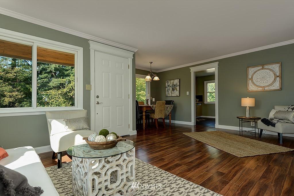 Sold Property | 1049 S 112th Street Seattle, WA 98168 5