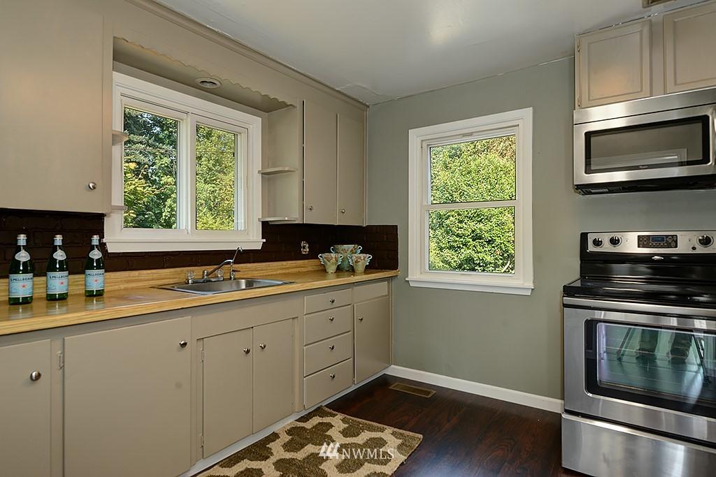 Sold Property | 1049 S 112th Street Seattle, WA 98168 7