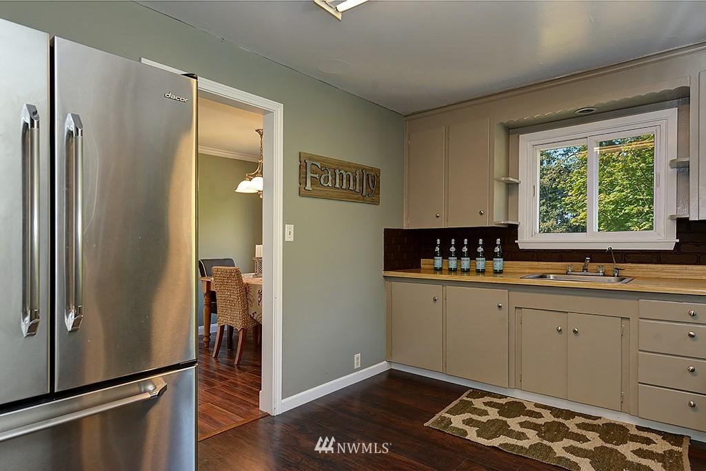 Sold Property | 1049 S 112th Street Seattle, WA 98168 9