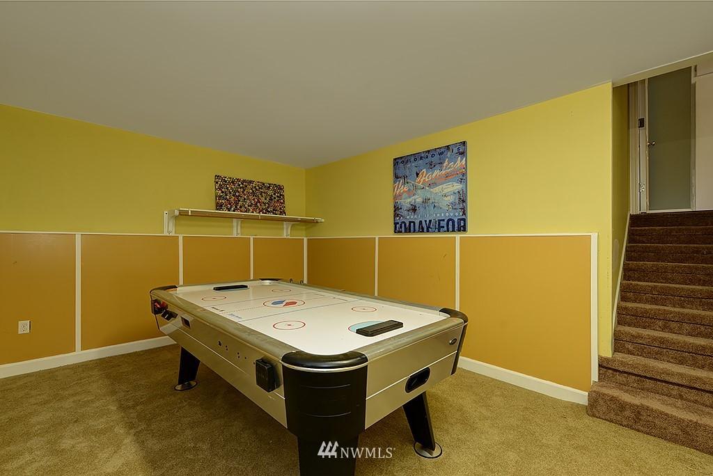 Sold Property | 1049 S 112th Street Seattle, WA 98168 14