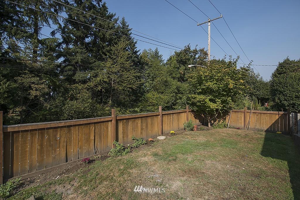 Sold Property | 1049 S 112th Street Seattle, WA 98168 15