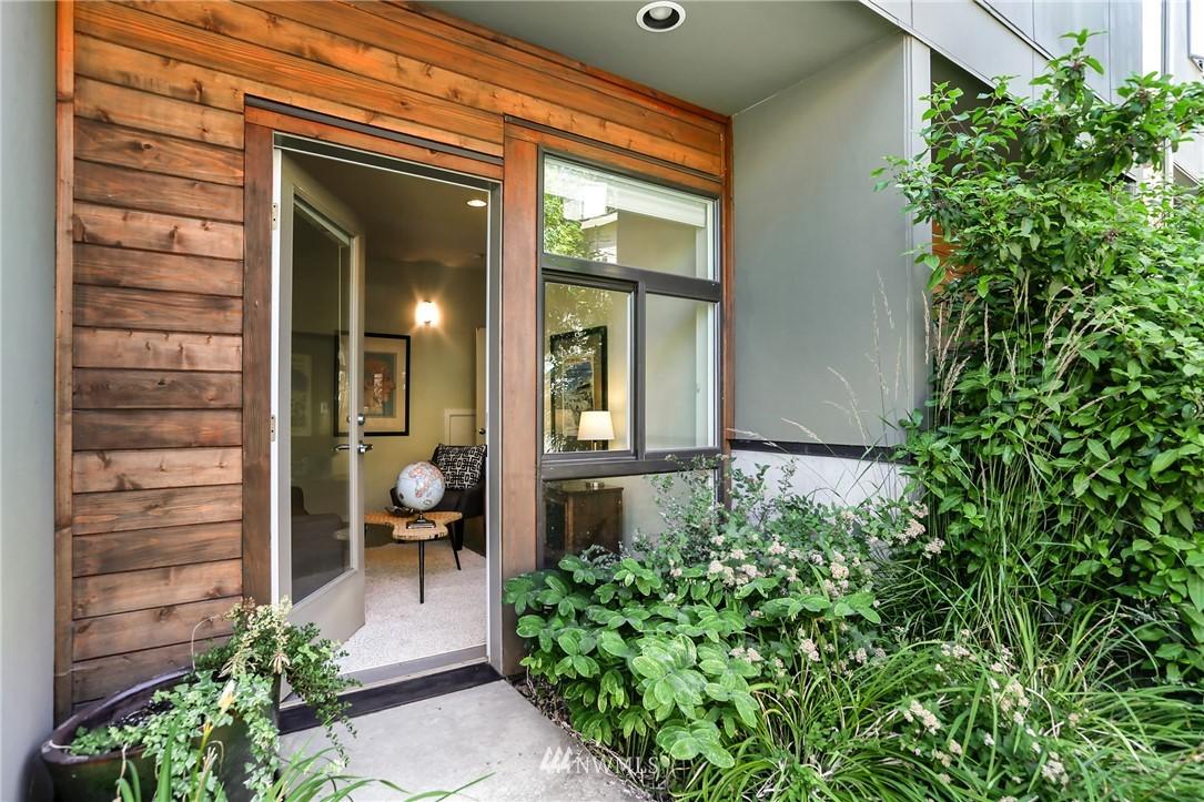 Sold Property   1825 E Glen Street Seattle, WA 98112 0