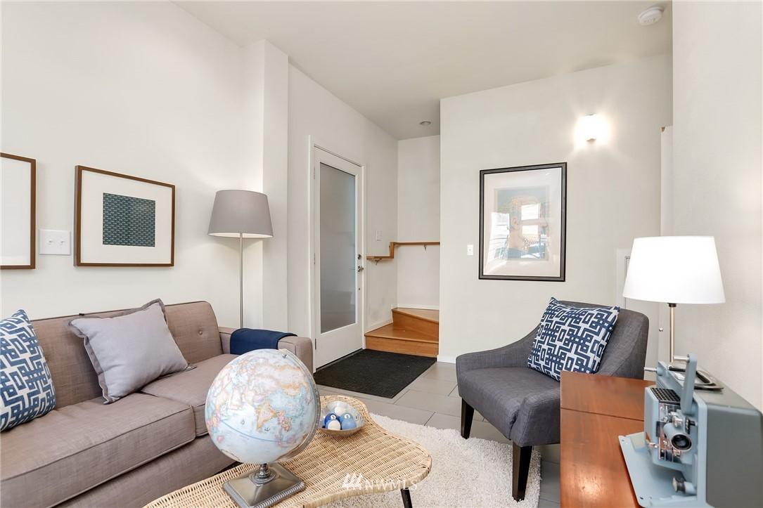 Sold Property   1825 E Glen Street Seattle, WA 98112 3