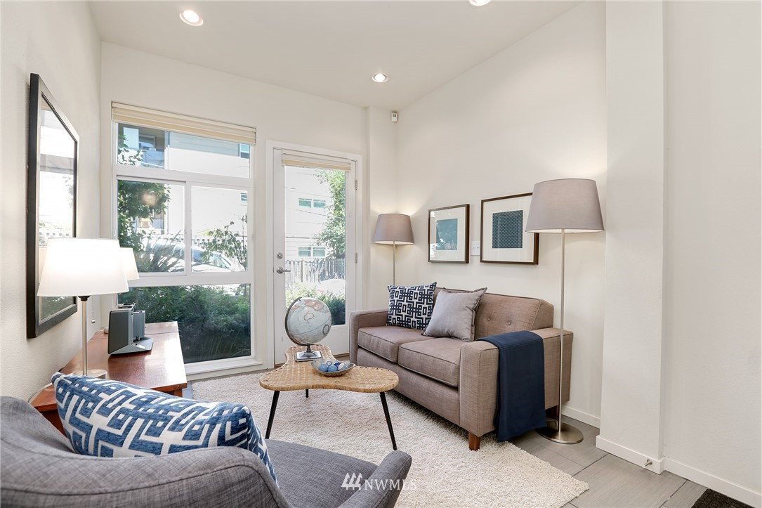 Sold Property   1825 E Glen Street Seattle, WA 98112 4