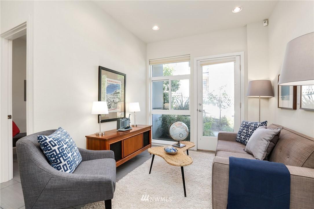 Sold Property   1825 E Glen Street Seattle, WA 98112 5