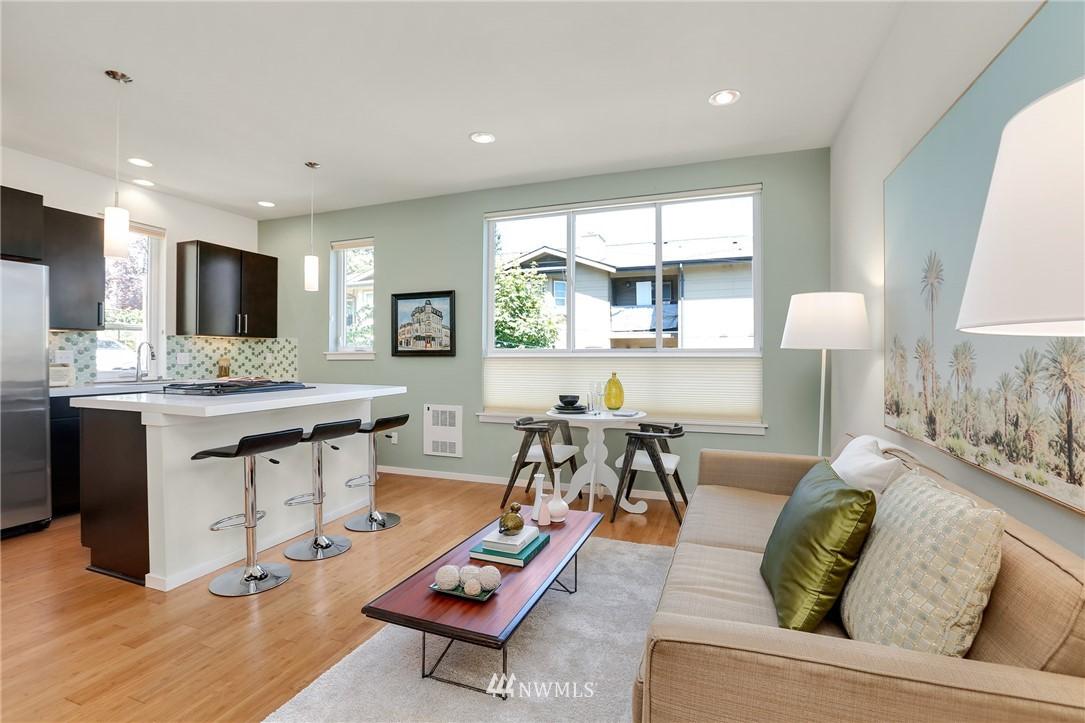 Sold Property   1825 E Glen Street Seattle, WA 98112 9