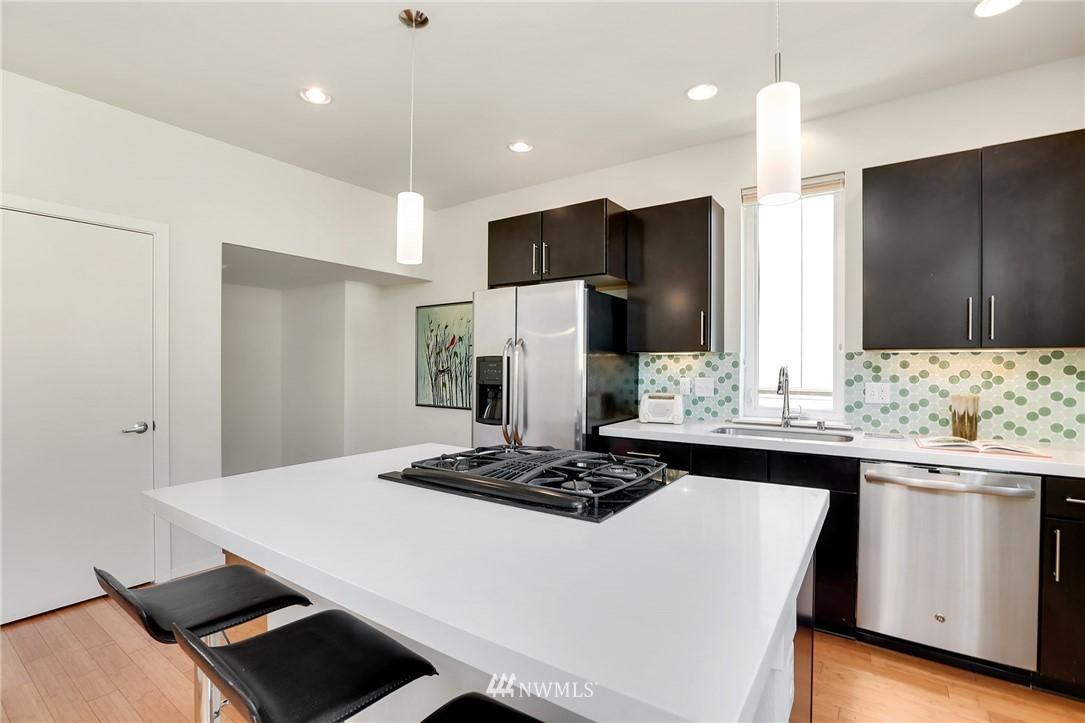 Sold Property   1825 E Glen Street Seattle, WA 98112 11