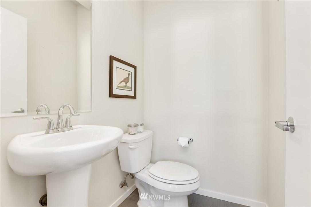 Sold Property   1825 E Glen Street Seattle, WA 98112 15