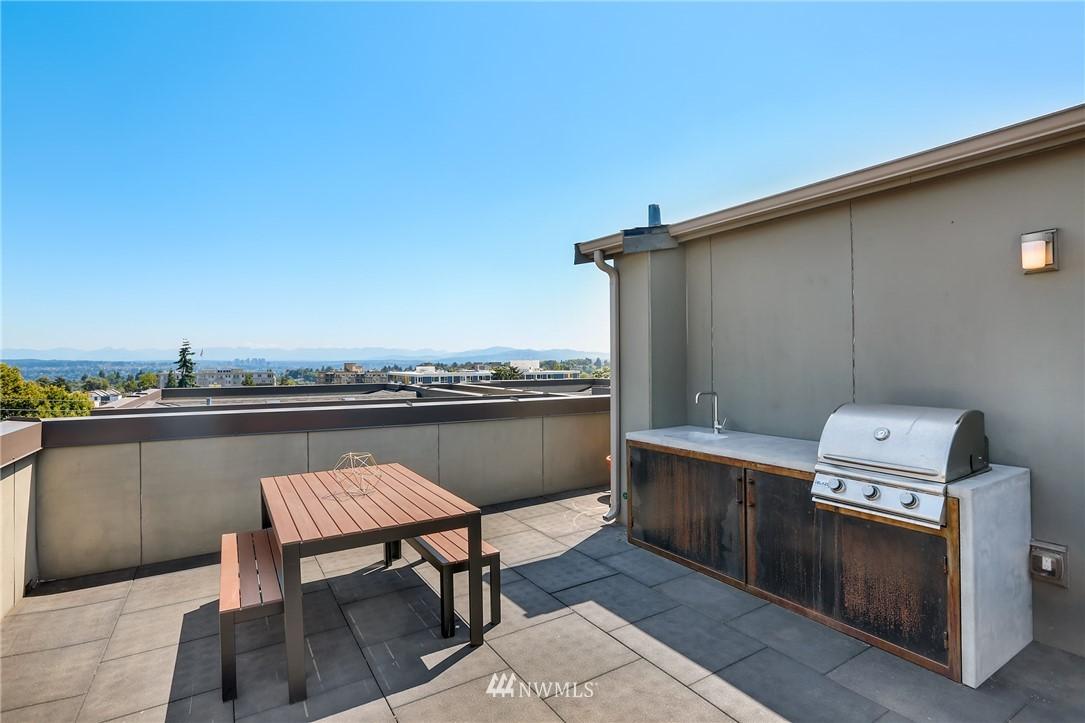 Sold Property   1825 E Glen Street Seattle, WA 98112 20