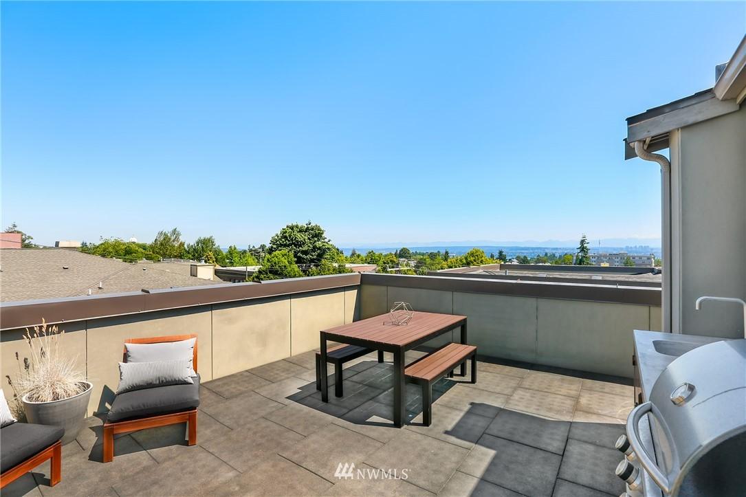 Sold Property   1825 E Glen Street Seattle, WA 98112 2