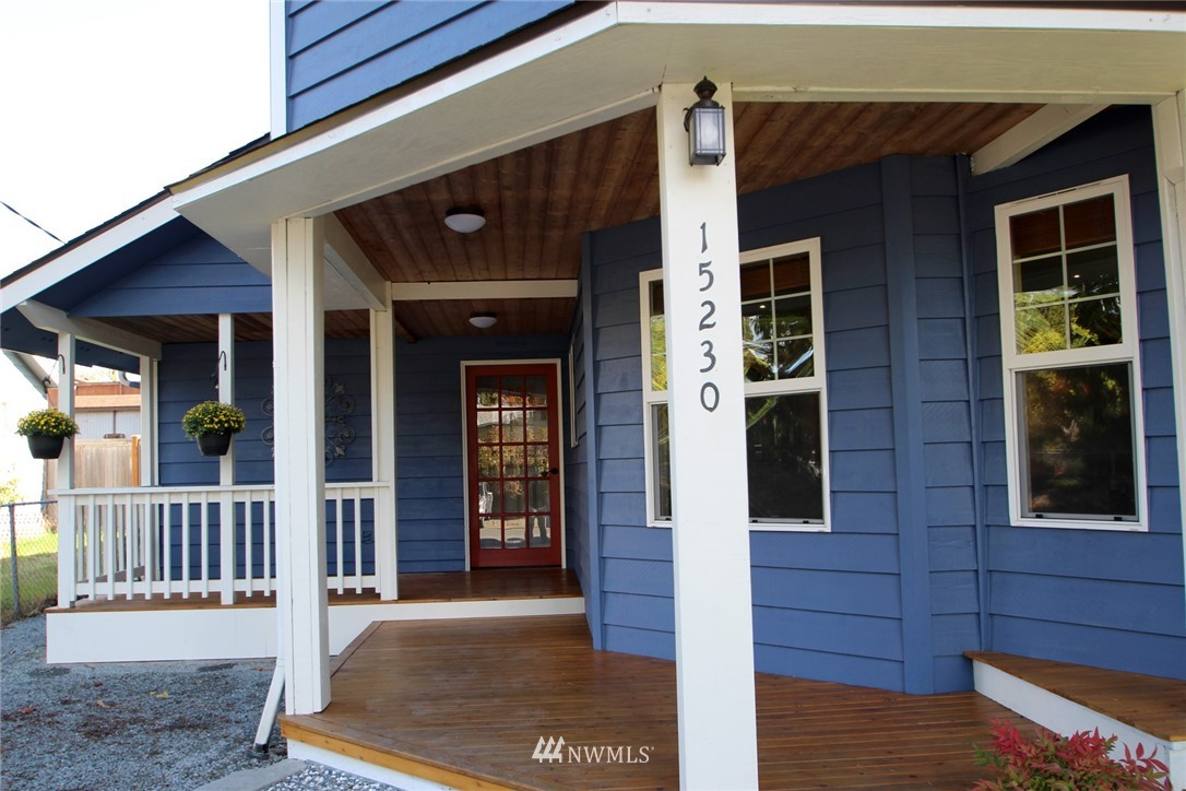 Sold Property | 15230 6th Avenue NE Shoreline, WA 98155 1