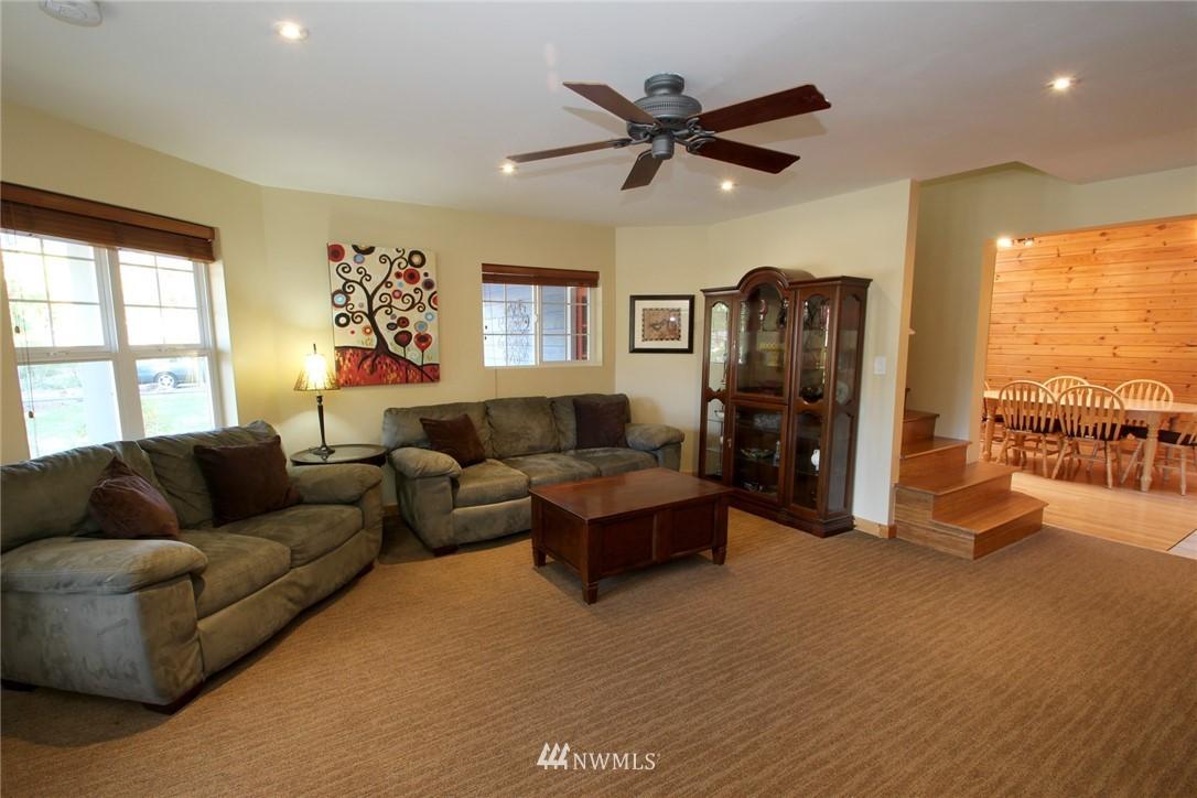 Sold Property | 15230 6th Avenue NE Shoreline, WA 98155 2