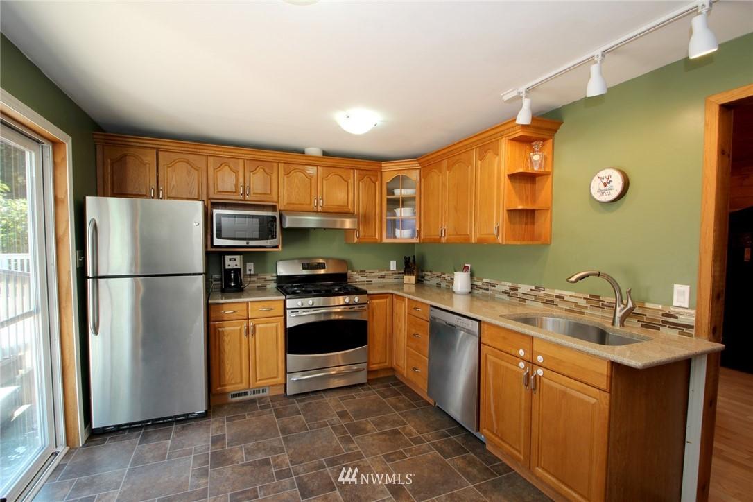 Sold Property | 15230 6th Avenue NE Shoreline, WA 98155 3