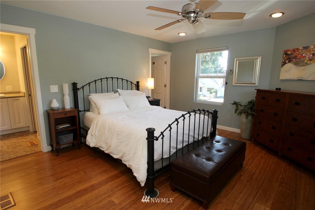 Sold Property | 15230 6th Avenue NE Shoreline, WA 98155 6
