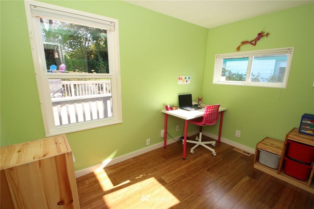 Sold Property | 15230 6th Avenue NE Shoreline, WA 98155 9