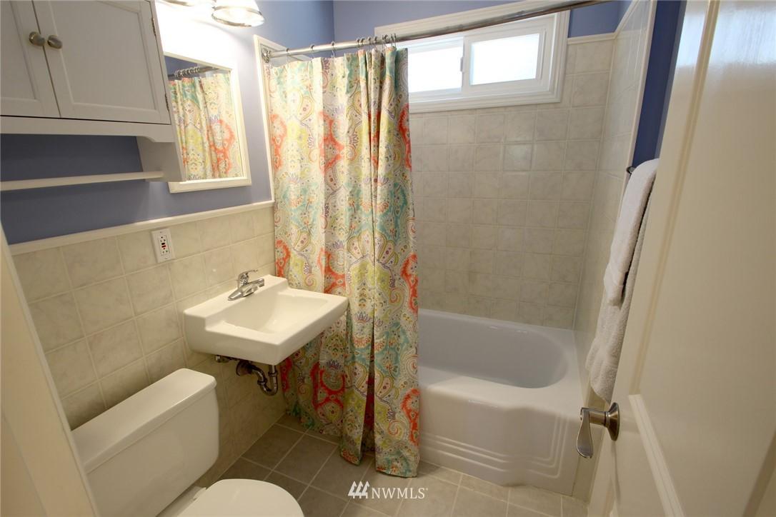 Sold Property | 15230 6th Avenue NE Shoreline, WA 98155 10