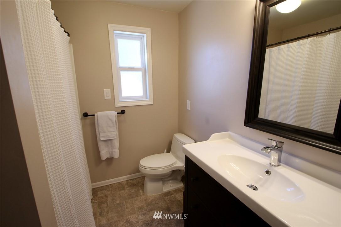 Sold Property | 15230 6th Avenue NE Shoreline, WA 98155 12