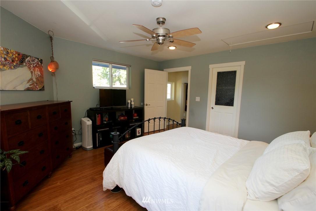 Sold Property | 15230 6th Avenue NE Shoreline, WA 98155 13