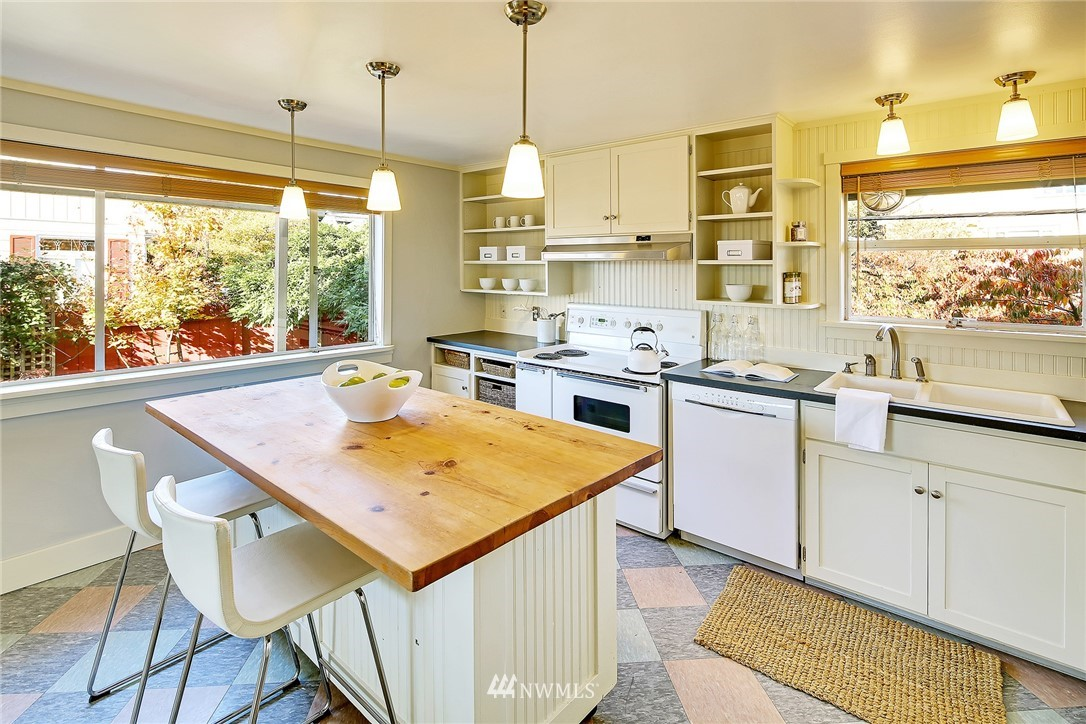 Sold Property   7559 13th Avenue NW Seattle, WA 98117 3