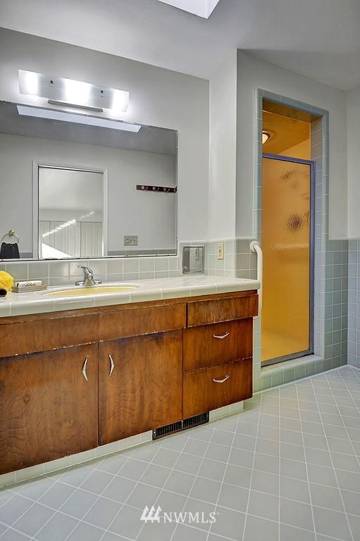 Sold Property | 5139 S Frontenac Street Seattle, WA 98118 11