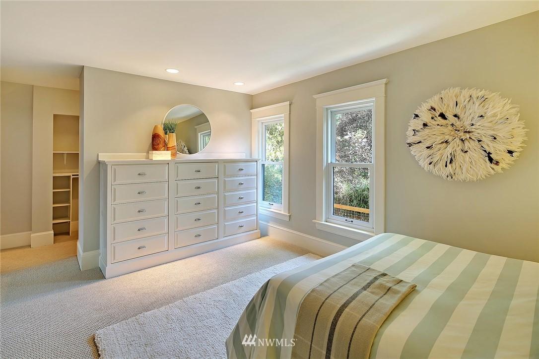Sold Property   7516 Sunnyside Avenue N Seattle, WA 98103 11