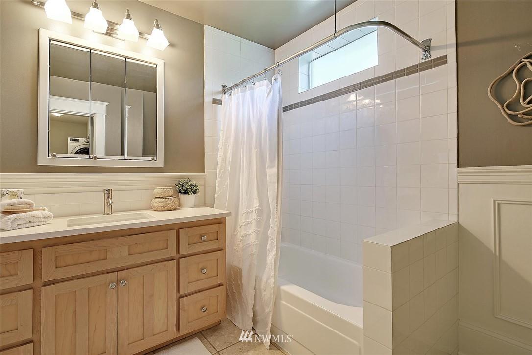 Sold Property   7516 Sunnyside Avenue N Seattle, WA 98103 12