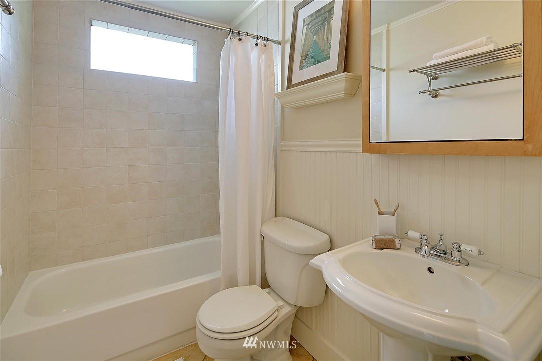 Sold Property   7516 Sunnyside Avenue N Seattle, WA 98103 14
