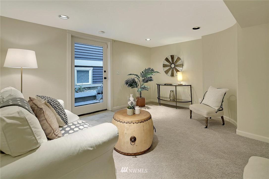 Sold Property   7516 Sunnyside Avenue N Seattle, WA 98103 16