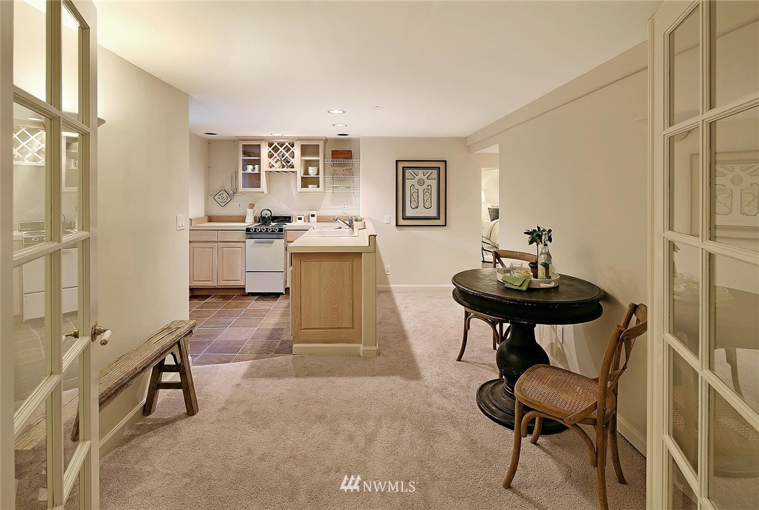 Sold Property   7516 Sunnyside Avenue N Seattle, WA 98103 17