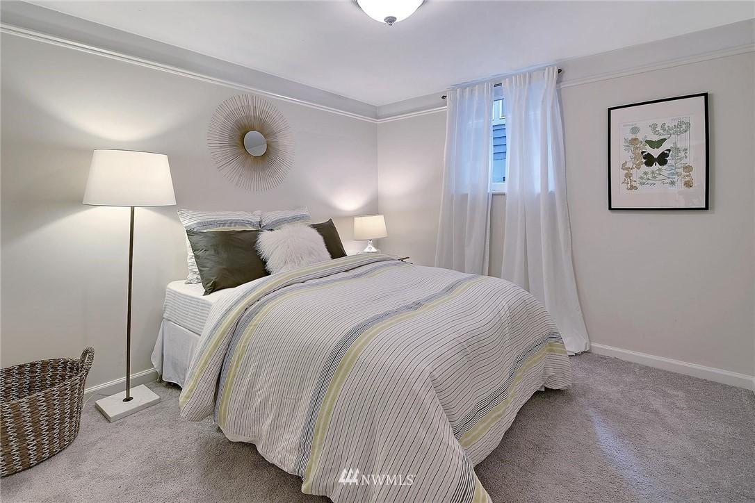Sold Property   7516 Sunnyside Avenue N Seattle, WA 98103 18