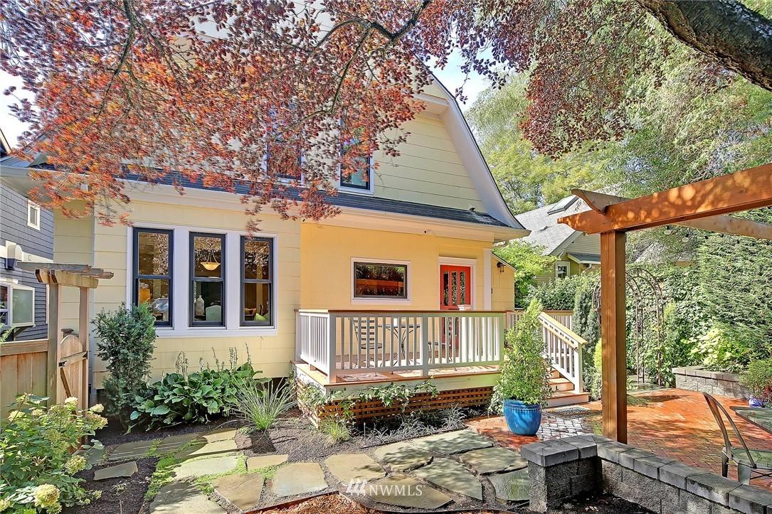 Sold Property   7516 Sunnyside Avenue N Seattle, WA 98103 20