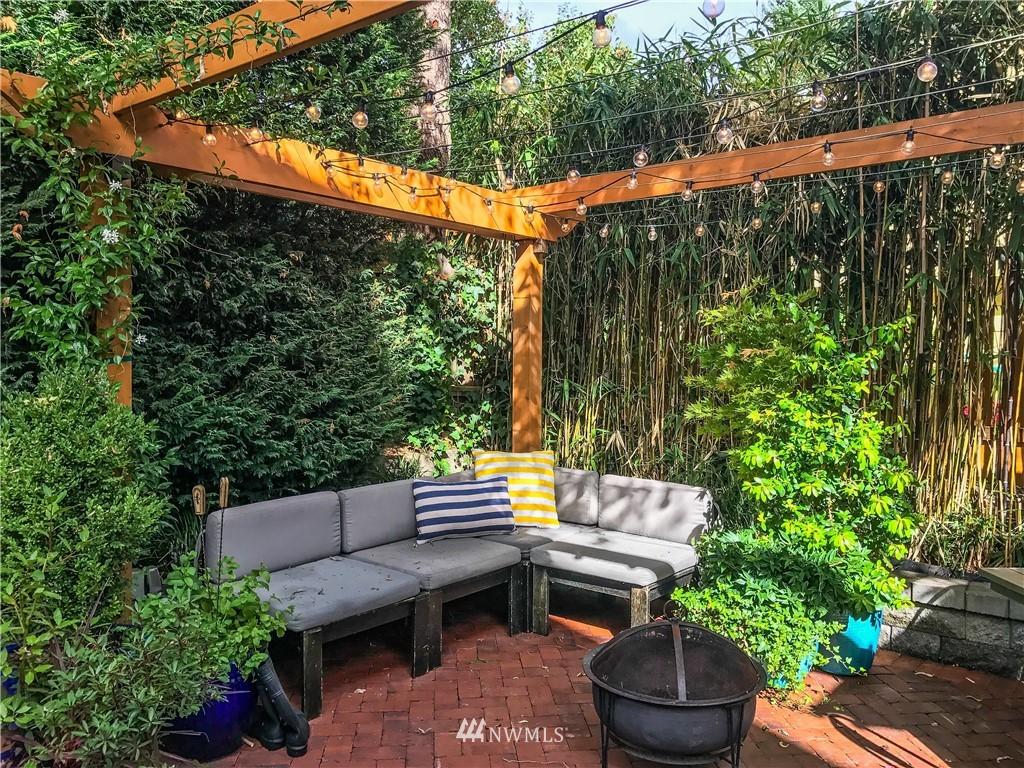 Sold Property   7516 Sunnyside Avenue N Seattle, WA 98103 22