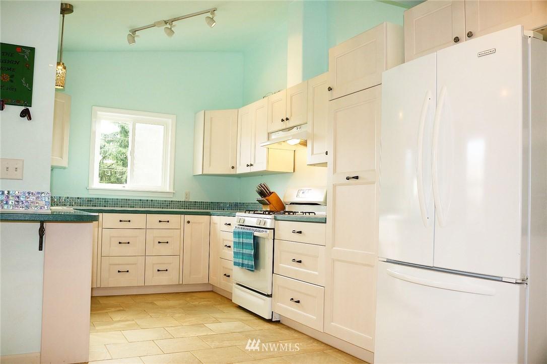 Sold Property   7528 34 Avenue SW Seattle, WA 98126 4