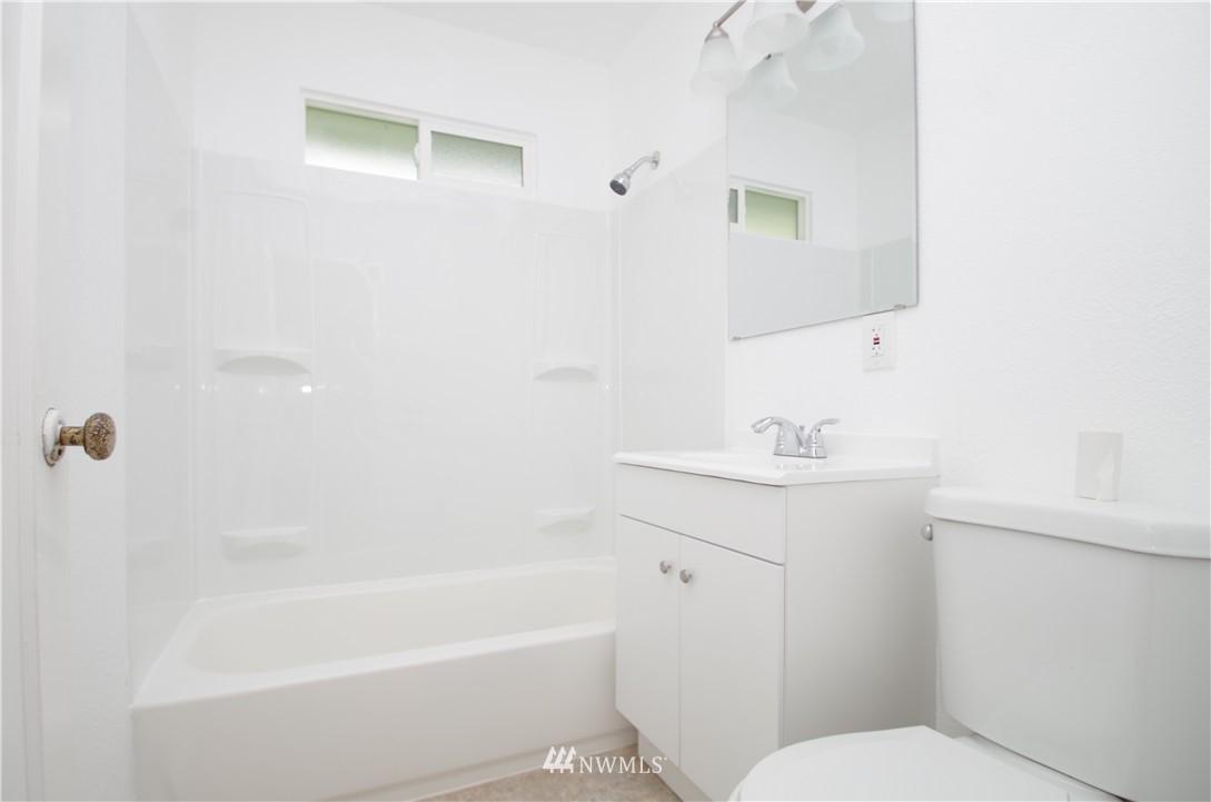 Sold Property | 9261 31st Avenue SW Seattle, WA 98126 4