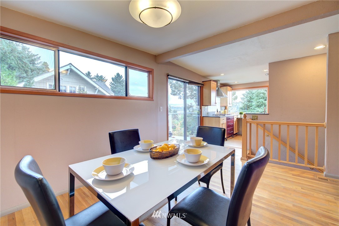 Sold Property | 4010 Greenwood Avenue N Seattle, WA 98103 9