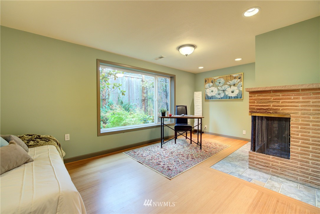 Sold Property | 4010 Greenwood Avenue N Seattle, WA 98103 15