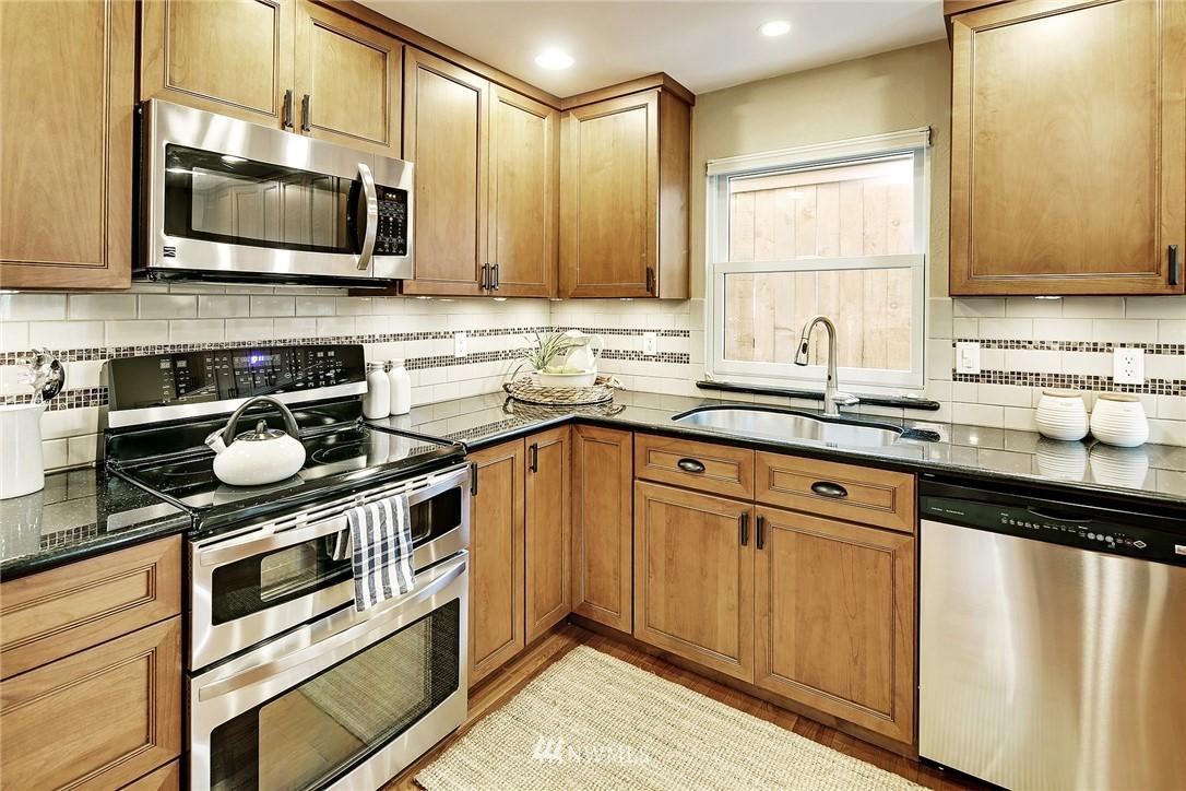 Sold Property | 8035 Bagley Avenue N Seattle, WA 98103 7