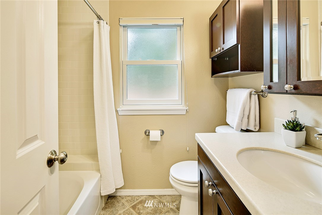 Sold Property | 8035 Bagley Avenue N Seattle, WA 98103 17