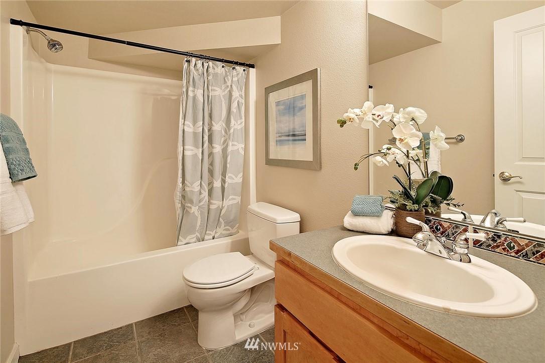 Sold Property | 6513 24th Avenue NE #A Seattle, WA 98115 13