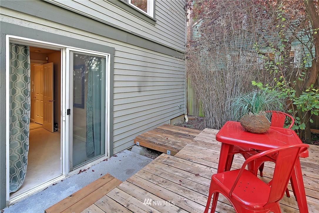 Sold Property | 6513 24th Avenue NE #A Seattle, WA 98115 17