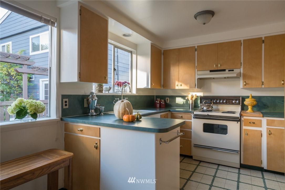 Sold Property | 3301 NE 73rd Street Seattle, WA 98115 8