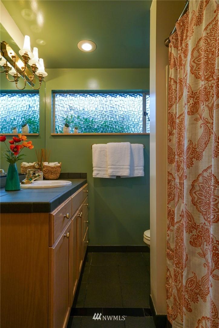 Sold Property | 3301 NE 73rd Street Seattle, WA 98115 12