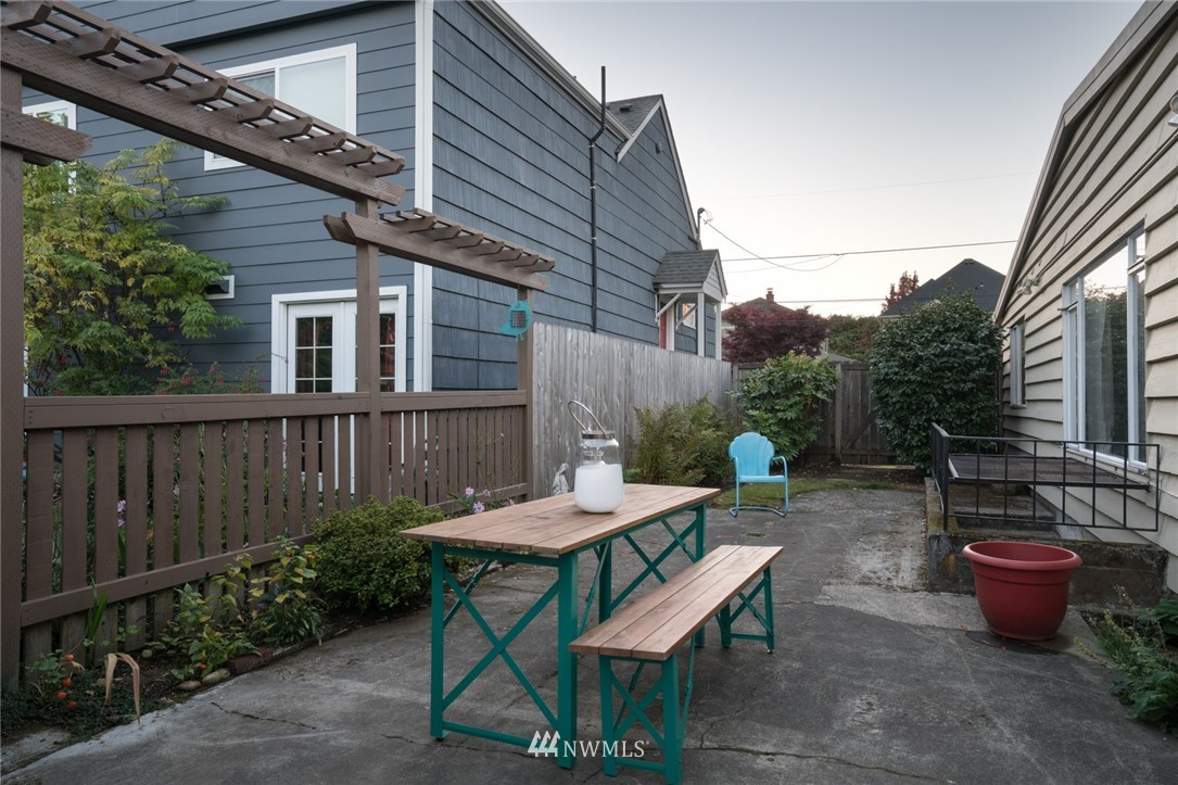 Sold Property | 3301 NE 73rd Street Seattle, WA 98115 16