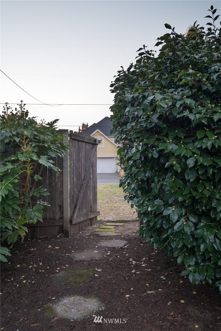 Sold Property | 3301 NE 73rd Street Seattle, WA 98115 17
