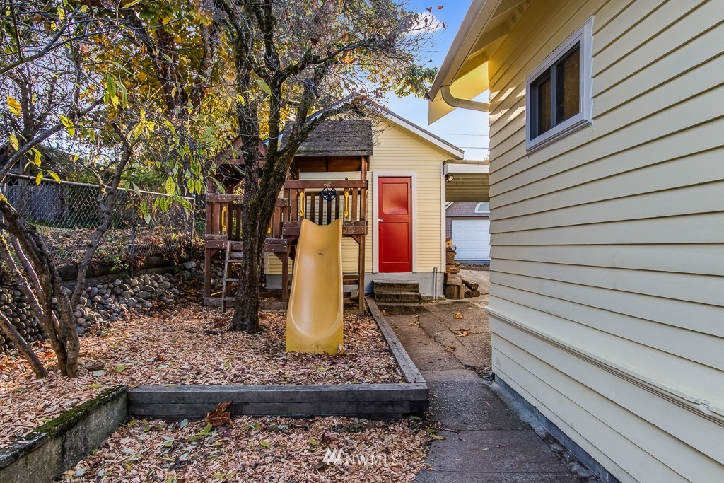 Sold Property | 9321 Lima Terrace S Seattle, WA 98118 19