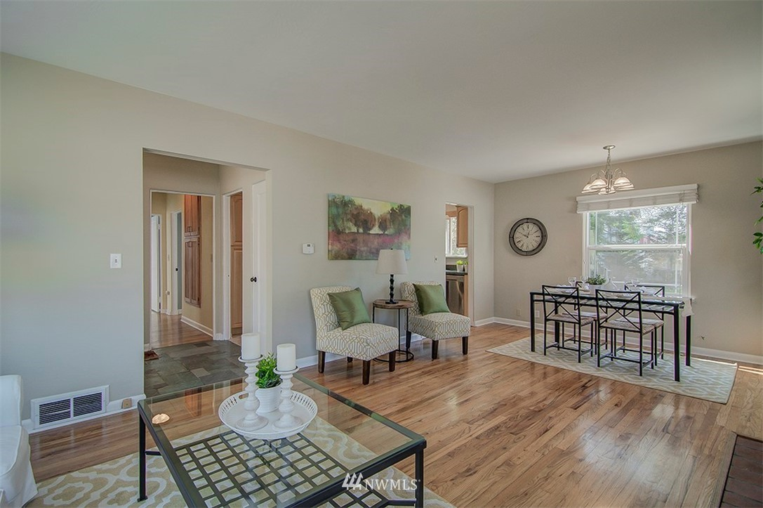 Sold Property | 14303 35th Avenue NE Seattle, WA 98125 4