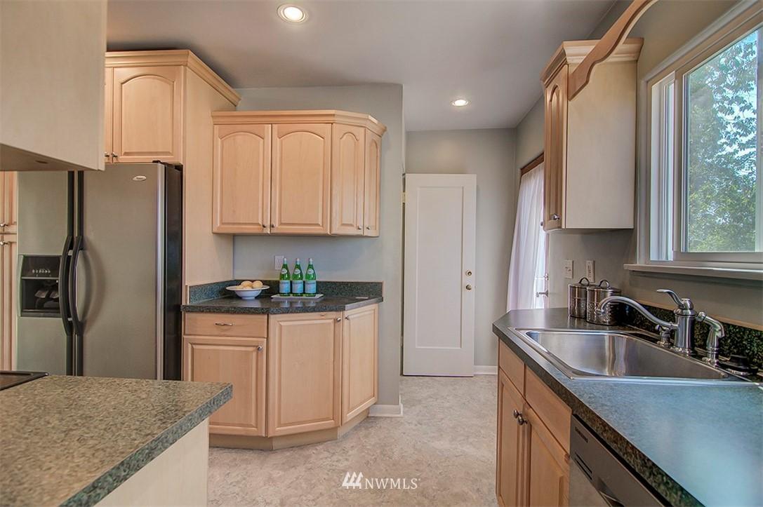 Sold Property | 14303 35th Avenue NE Seattle, WA 98125 7